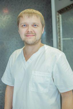 Врач-стоматолог 1-й квалификационной категории Арзамасов Иван Валерьевич