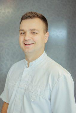 врач-стоматолог-терапевт-ортопед-парадонтолог 1-й категории Черенкевич Игорь Борисович