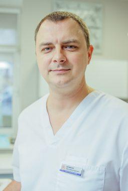 Врач-стоматолог хирург 1й категории Перминов Олег Александрович