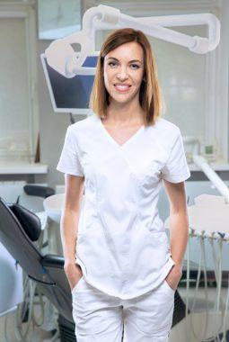 Медицинская сестра стоматологического кабинета Арзамасова Татьяна Сергеевна